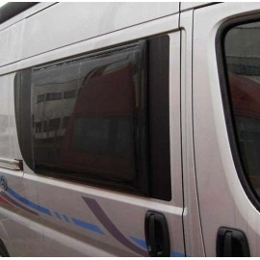 VENTANA LATERAL POLY DUCATO 1051X650/985X465